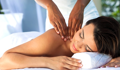 £45 -- Top-Rated Spa: Massage or Facial w/Bubbly, Reg £111