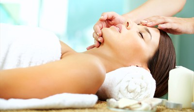£25 -- 'Chic' Birmingham Spa Treat inc Massage, Reg £73
