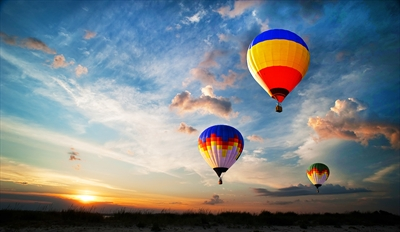 $119 - Sunrise Balloon Ride w/Picnic & Bubbly, Reg. $250