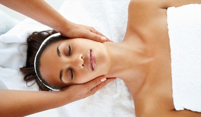 £29 -- 90 Minutes of Treatments Plus Coffee & Cake, Reg £65