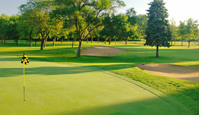 $45 - Highland Park Golf: 18 Holes w/Two Drinks, Reg. $83