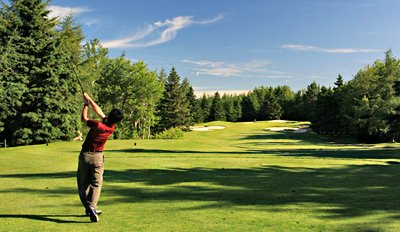 $99 - Inglewood: Golf, Cart Rental & Lunch for 2, Reg. $226