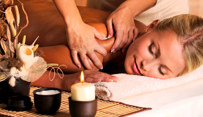 £29 -- Award-Winning Essex Salon: Massage & Facial, Reg £68