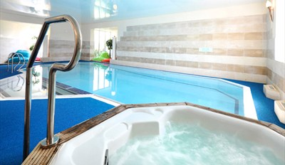 £45 - Cornish Spa Day w/Massage, Facial & Cream Tea, Reg £78