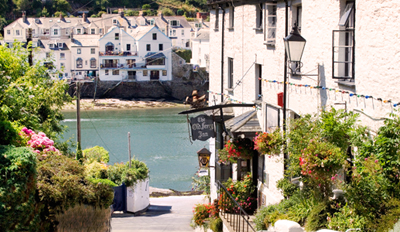 £19 -- Fowey: Dinner for 2 at 'Picturesque' Inn, Reg £43