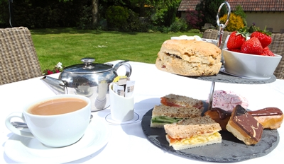 £19 -- Strawberry Cream Tea for 2 at Country Hotel, Reg £38